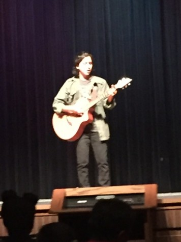 Victor Bonilla sings and strums a beautiful Spanish song.