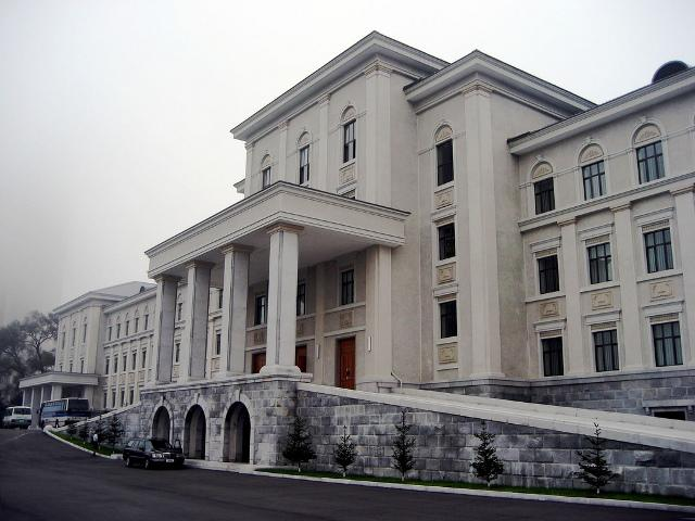 Located in the capital of North Korea, Kim Il-Sung University is a premier destination for the foreign students.