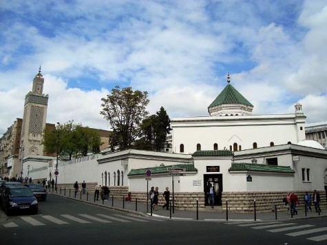 The Grande Mosquée de Paris looms over the city, welcoming adherents since 1926.