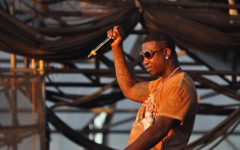 Gucci Mane rapping at the Williamsburg Waterfront in Brooklyn, New York in 2010 prior to his arrest later that year.