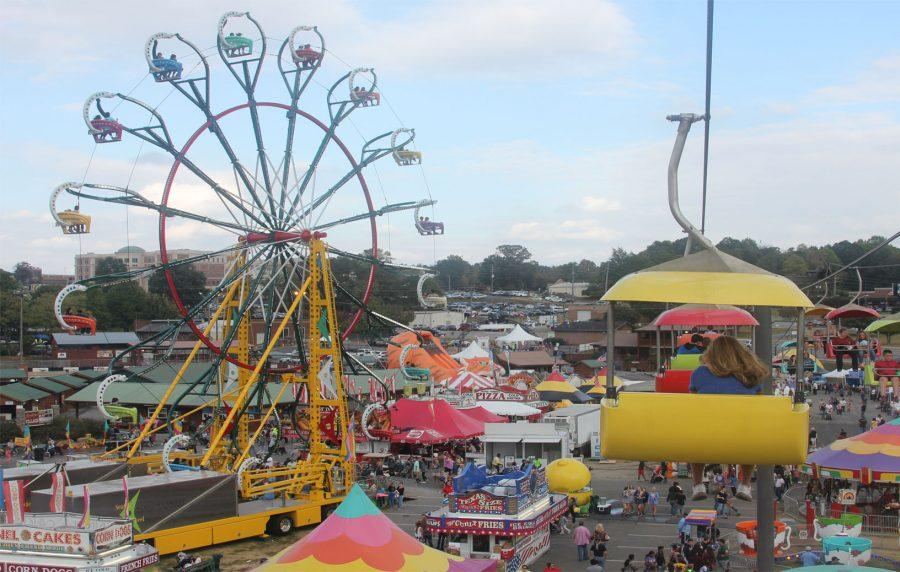 The ferris wheel can be seen from all around the fairgrounds, especially from the skybuckets.