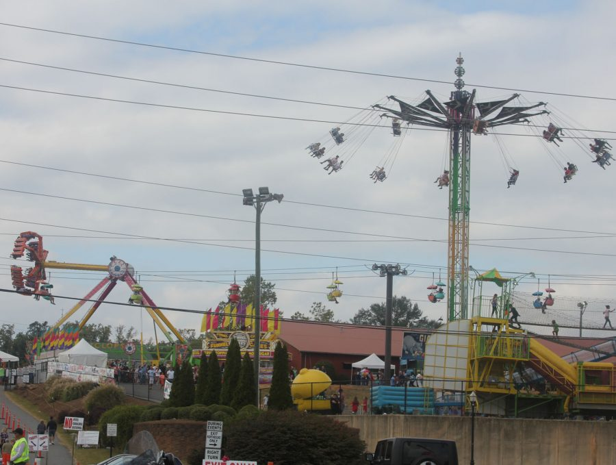 view-of-rides-from-faraway