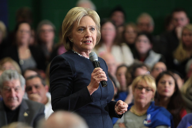 Hillary+Clinton+demonstrated+her+love+for+her+supporters%2C+speaking+before+them++at+a++town+hall+meeting+in+New+Hampshire.+