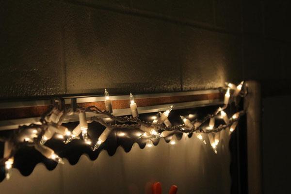 white lights ruin the Christmas spirit