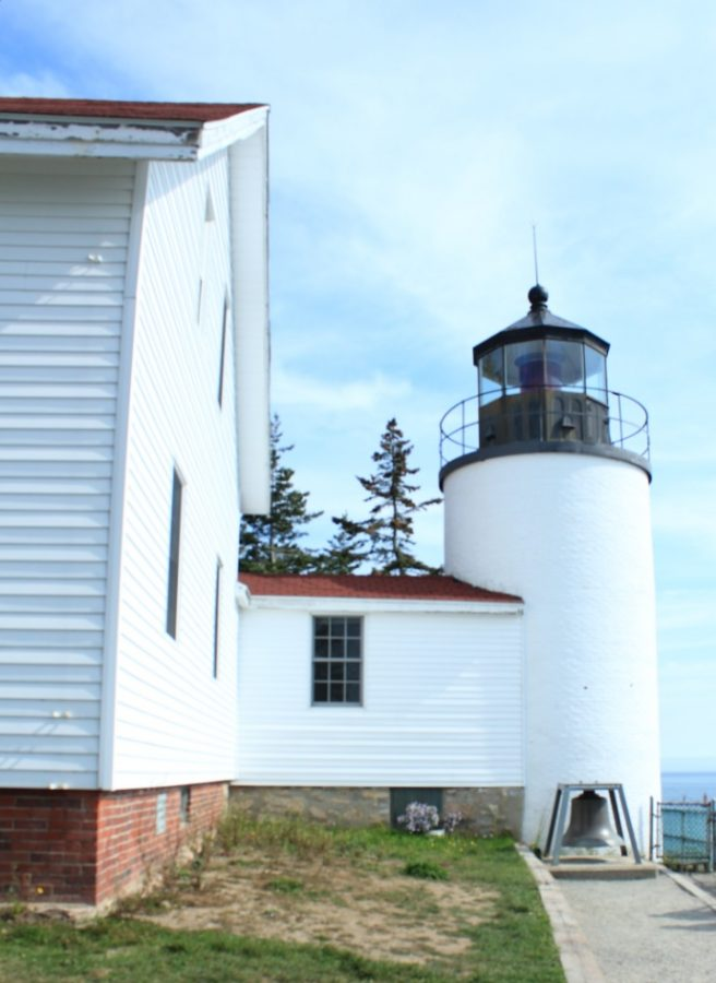 This+lighthouse%2C+although+magnificent+in+beauty%2C+stands+short+in+height%2C+at+less+than+35+feet+tall.+It+was+commissioned+in+1855.