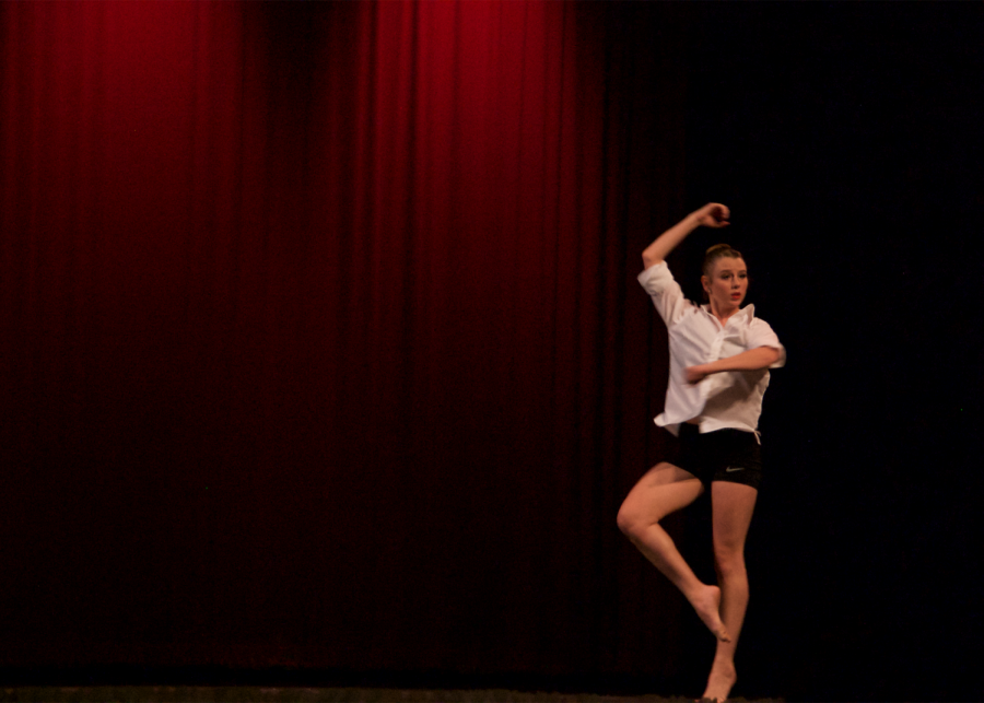 Sydnie Glogowski performs a moving solo featuring a coupé turn.